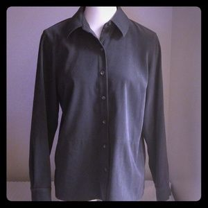Talbots Womens Size small Button Down Shirt (H)